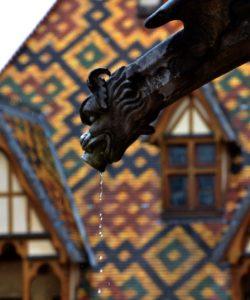 decouvrir-hospices-de-beaune-hotel-dieu-toit-bourguignon-histoire-hb